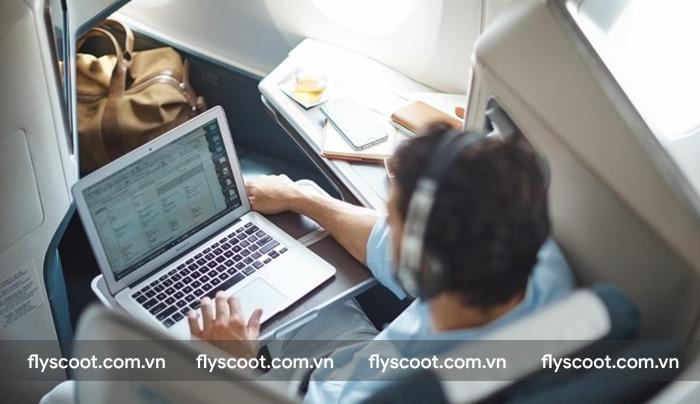 Quý khách được phép sử dụng thiết bị điện tử nhưng phải ngắt kết nối mạng