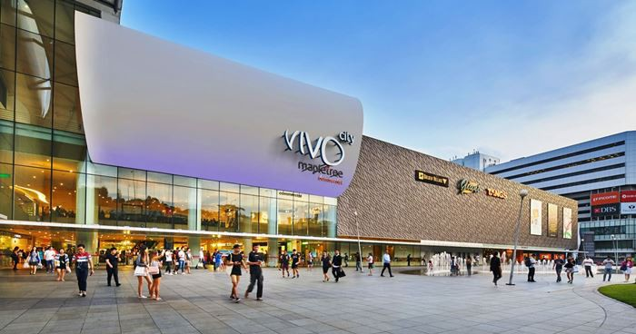 Vivo City thỏa thích mua sắm các phụ kiện thời trang